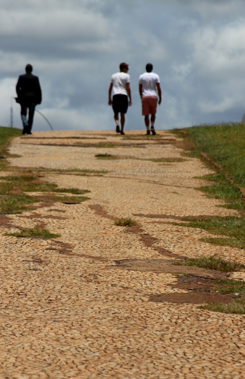 brasilia-walkpath